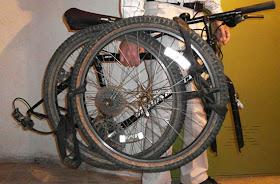 Bicicleta de montaña plegada