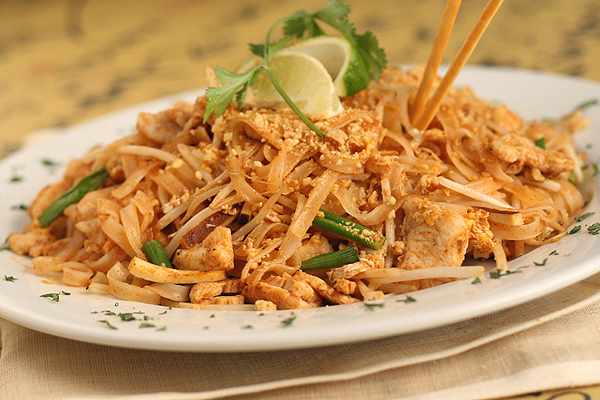 san francisco f5763 7d006 1lb thin rice noodles (prepare prior to beginning stir fry) 1 4th c peanut  oil 1 4th c shallots, finely chopped 1lb thinly sliced chicken breast, ...