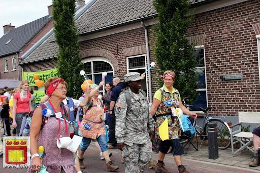 Vierdaagse van Nijmegen door Cuijk 20-07-2012 (67).JPG