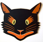 This screen-printed cat would be a fun way to welcome trick-or-treaters.