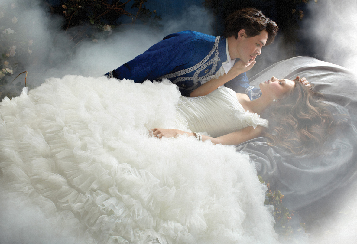 Fairy Tale Wedding Fashion - Modern Wedding