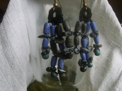 Kolczyki szydełkowe z koralikami drobnymi  Anna Grabowska Panorama LeSage Crochet earrings with tiny glass beads crochet earrings, colorful artistic jewelry