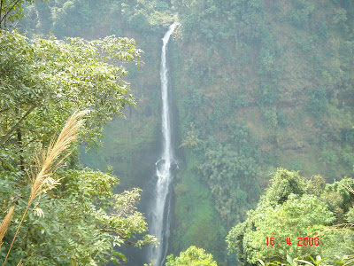 Tad Fan Waterfall, Pakse, Laos - Photo by An Bui - http://www.travelvietnamblog.com