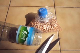 Reciclar tapas de botellas de plástico