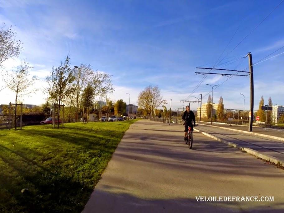 Voie verte à Vélizy - E-guide circuit de déplacement à vélo entre Bourg la Reine et Vélizy par veloiledefrance.com