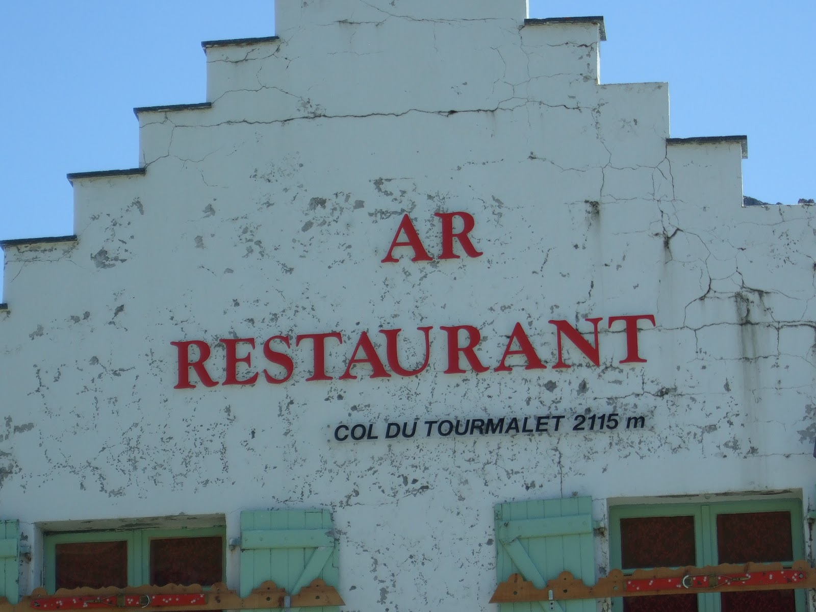 Cycling Col du Tourmalet - photo of restaurant at top