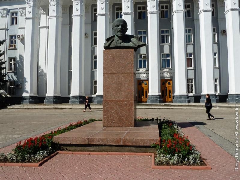 Бюст Ленина в Тирасполе