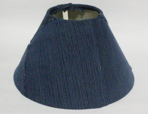 Abajur customizado com jeans