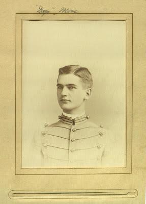 Лейтенант Джеймс Мосс, выпускник Вест-Поинт