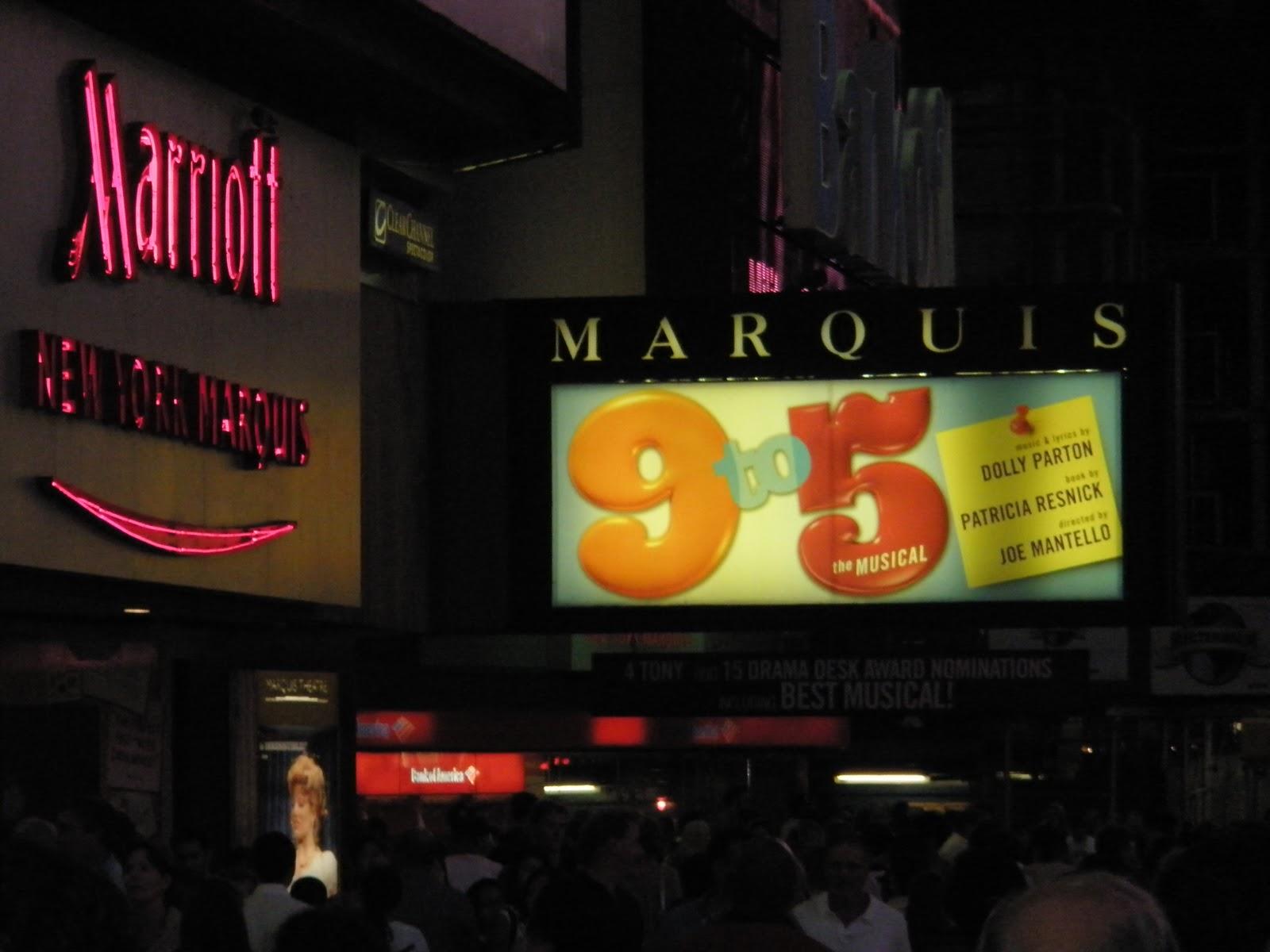 #B37318 Dette års Om Inte Vi Gör Det Blir Det Inte Gjort!: New York City Gør Det Selv New Yorker Væg 5801 160012005801