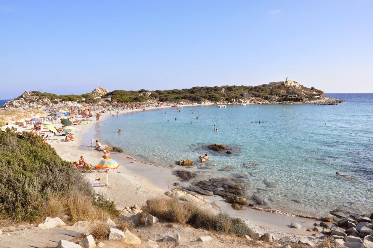 Маленький крутой пляж