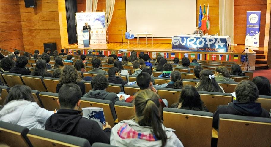 Eurodeputados defendem vantagens de pertencer à União Europeia