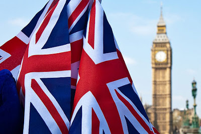 Imagen Recurso, Bandera Británica con el Big Ben al fondo desenfocado