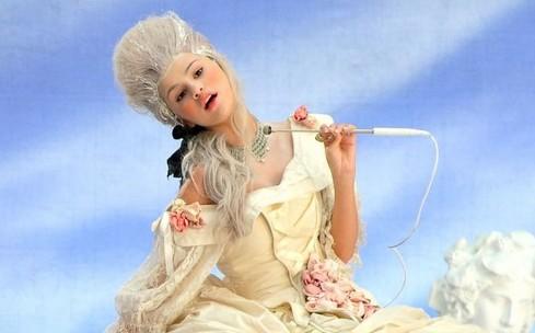 "Single ⇨ ""Love You Like A Love Song"" - Página 5 Selena-gomez-love-song-y100-09"