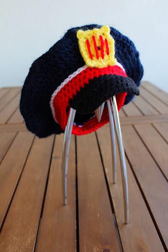 gorra mosso ganxet crochet police hat