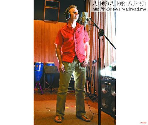 47歲的河國榮等了25年才圓歌手夢,就算蝕錢都要出碟。攝影:林德雄