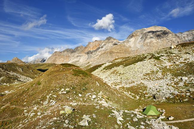 Traversée des Alpes, du lac Léman à la Méditerranée Gr5-mont-blanc-briancon-bivouac-lac-peyron