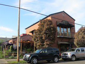 the bent brick, neighborhood tavern, northwest portland