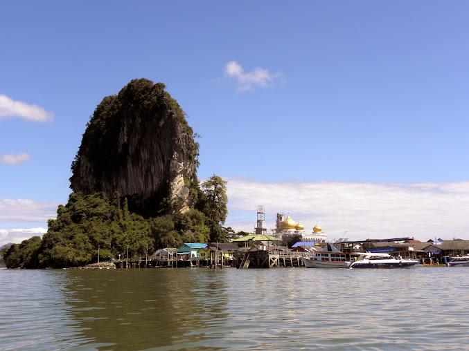 https://lh5.googleusercontent.com/-wEpiZJZW1g4/Up0BhdNkm8I/AAAAAAAAECY/oyX0qatueHs/w677-h508-no/Tajlandia+2013+499.JPG