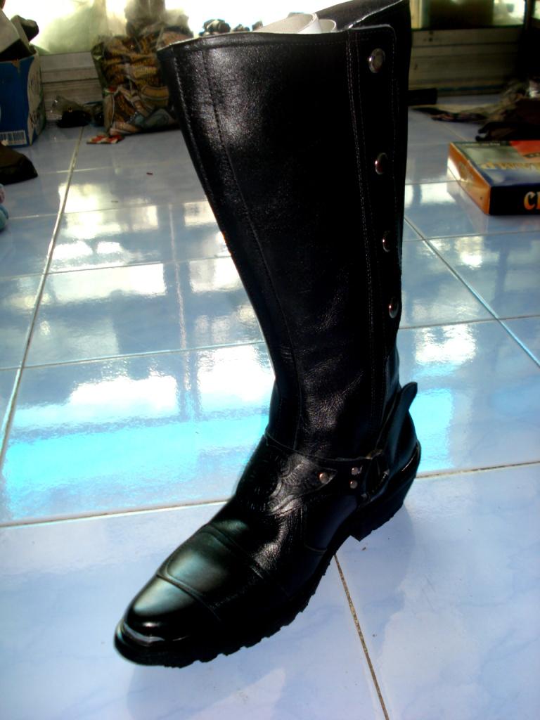 Sepatu Pantovel Kulit asli, Kilap tanpa Semir.