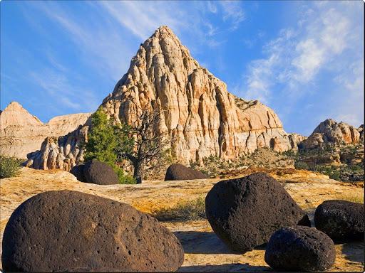 Pectol's Pyramid Capitol Reef National Park, Utah.jpg