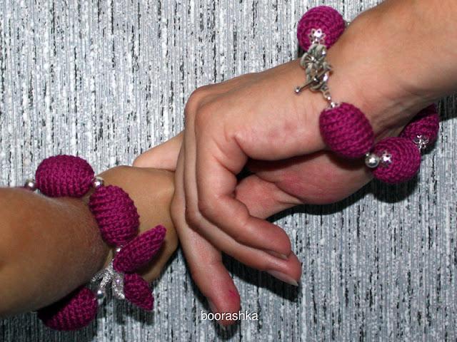 вязаный браслет