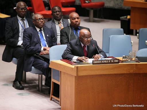 Ignace Gata Mavita wa Lufuta, Représentant permanent de la République démocratique du Congo à l'ONU, s'adresse au Conseil de sécurité, le 26 mars 2015.