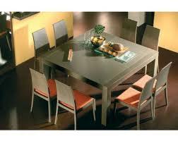 Feng shui total la importancia de la mesa del comedor for Mesas de comedor cuadradas grandes