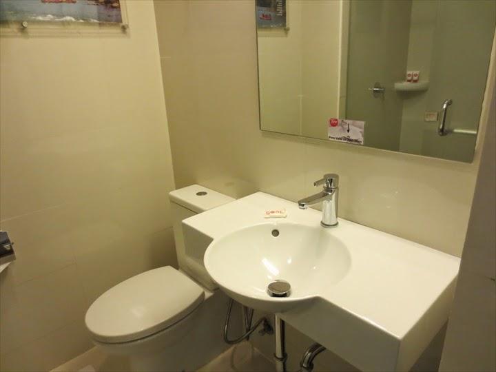 チューンホテル・エルミタ洗面&トイレ