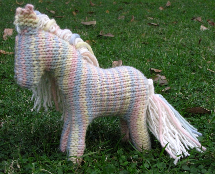 horse knitting pattern is in the shop natural suburbia