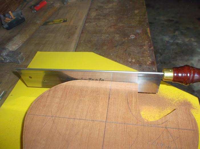 Construção inspirada Les Paul Custom, meu 1º projeto com braço colado (finalizado e com áudio) DSCF0518