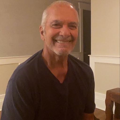 Stephen Lakis's profile photo