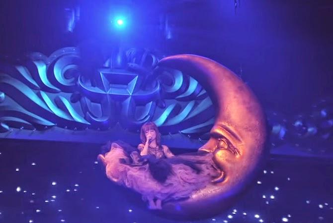 Ayumi Hamasaki - A Cirque de Minuit | Random J Pop