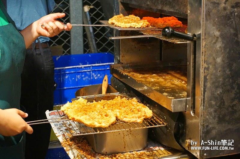 DSC07030 - 紐奧良燒烤雞排|旱溪夜市不只有惡魔雞排,紐澳良燒烤雞排也是超夯排隊美食唷!