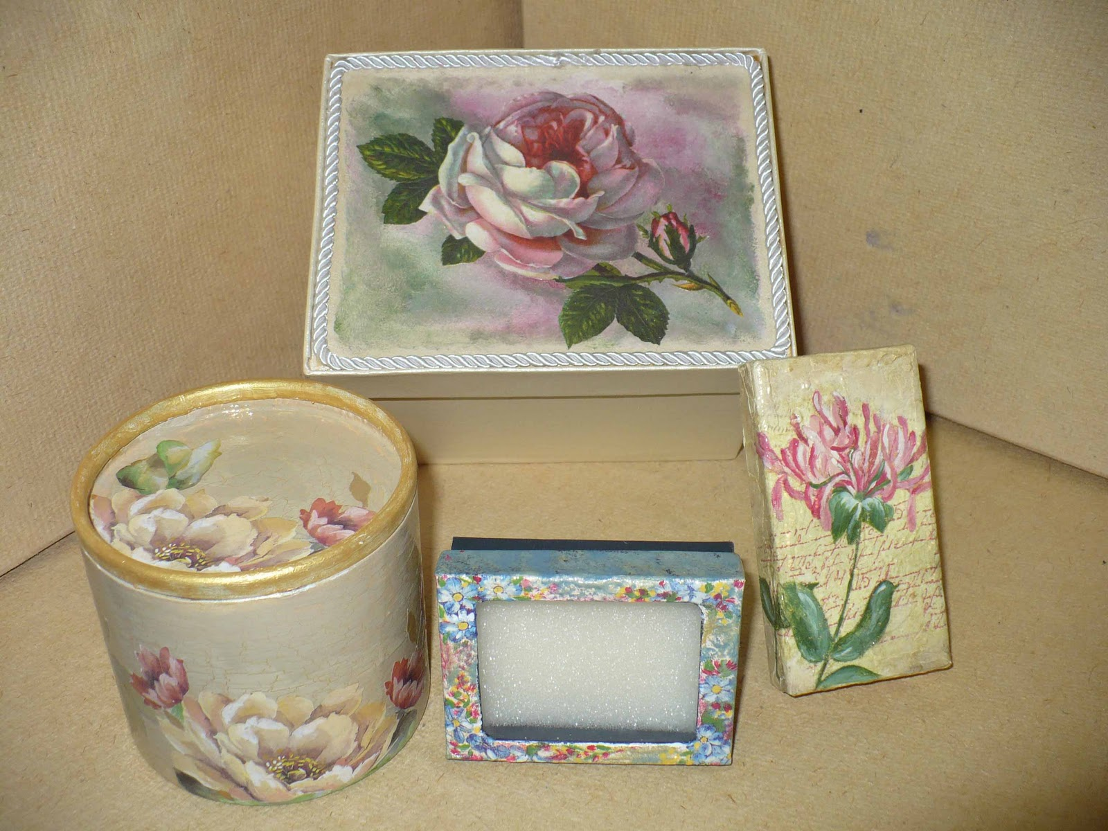 Laboratorio villanella scatola rosa 10 00 - Scatola porta orecchini ...