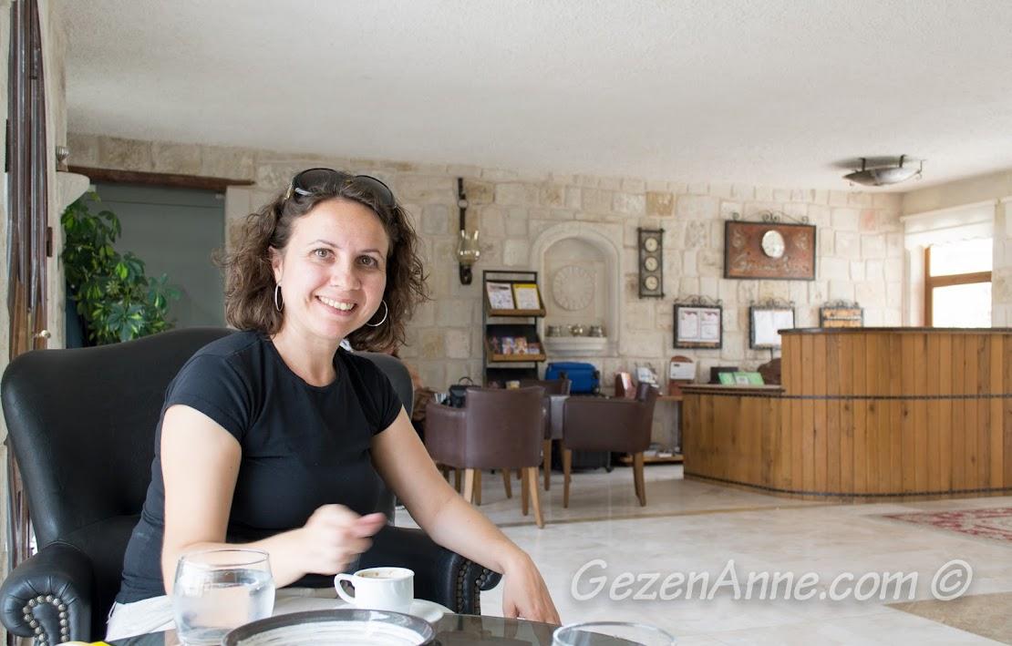 hoşgeldin kahvesi içerken, Göreme İnn Otel Kapadokya