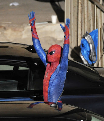 spiderman traje andrew garfield 1 - Andrew Garfield vestido de Spiderman