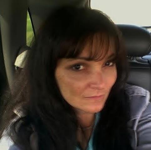 Roxanne Hicks