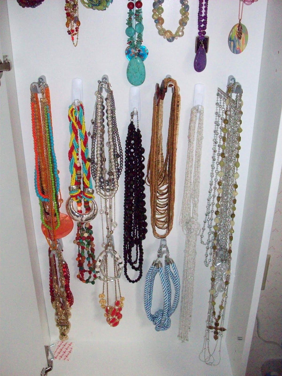 Un joyero para las m s fashion i love it decoraci n retro - Colgador de collares ikea ...