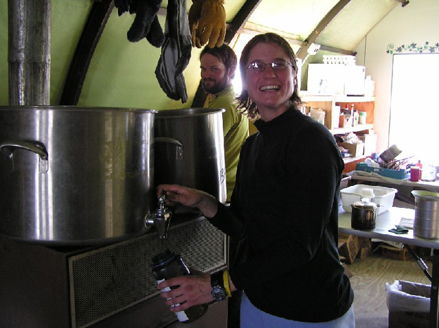 Bin of ice chunks melting on the stove, 2004-2005 season (photo by A. Chiuchiolo)