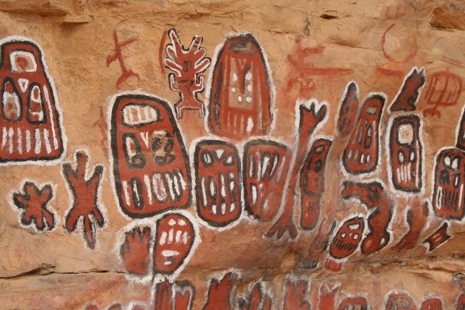 Des contacts antiques entre différentes civilisations? - Page 7 0194-Pays-Dogon-Songho-peintures-rupestres