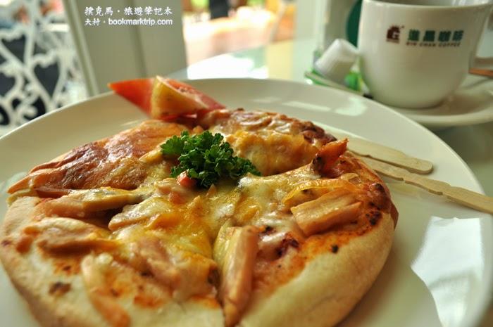 大村進昌咖啡烘焙館蘑菇煙燻雞肉披薩