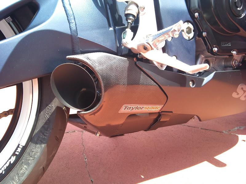 Brinquedo novo na área - GSXR 750 2012 Branca (pag 2) DSC_0078