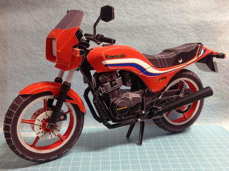 Kawasaki GPZ-250 Papercraft