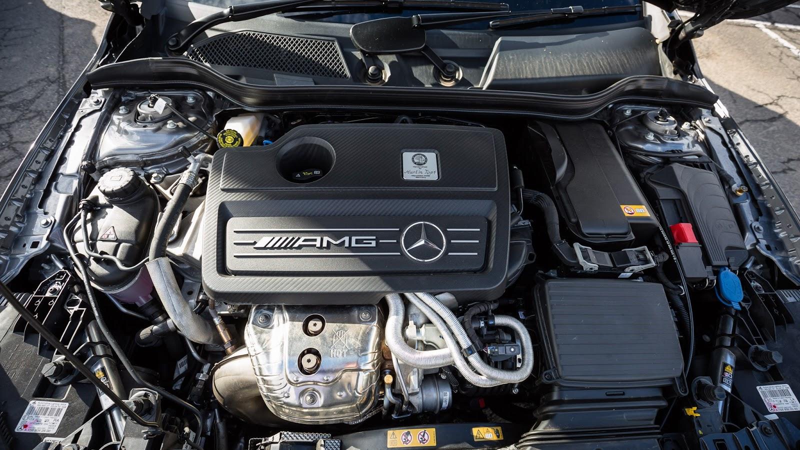 Xe có động cơ cực mạnh và khả năng, tốc độ thuộc hàng...siêu xe