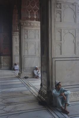Patio de la mezquita de Jama Masjid, Delhi, India