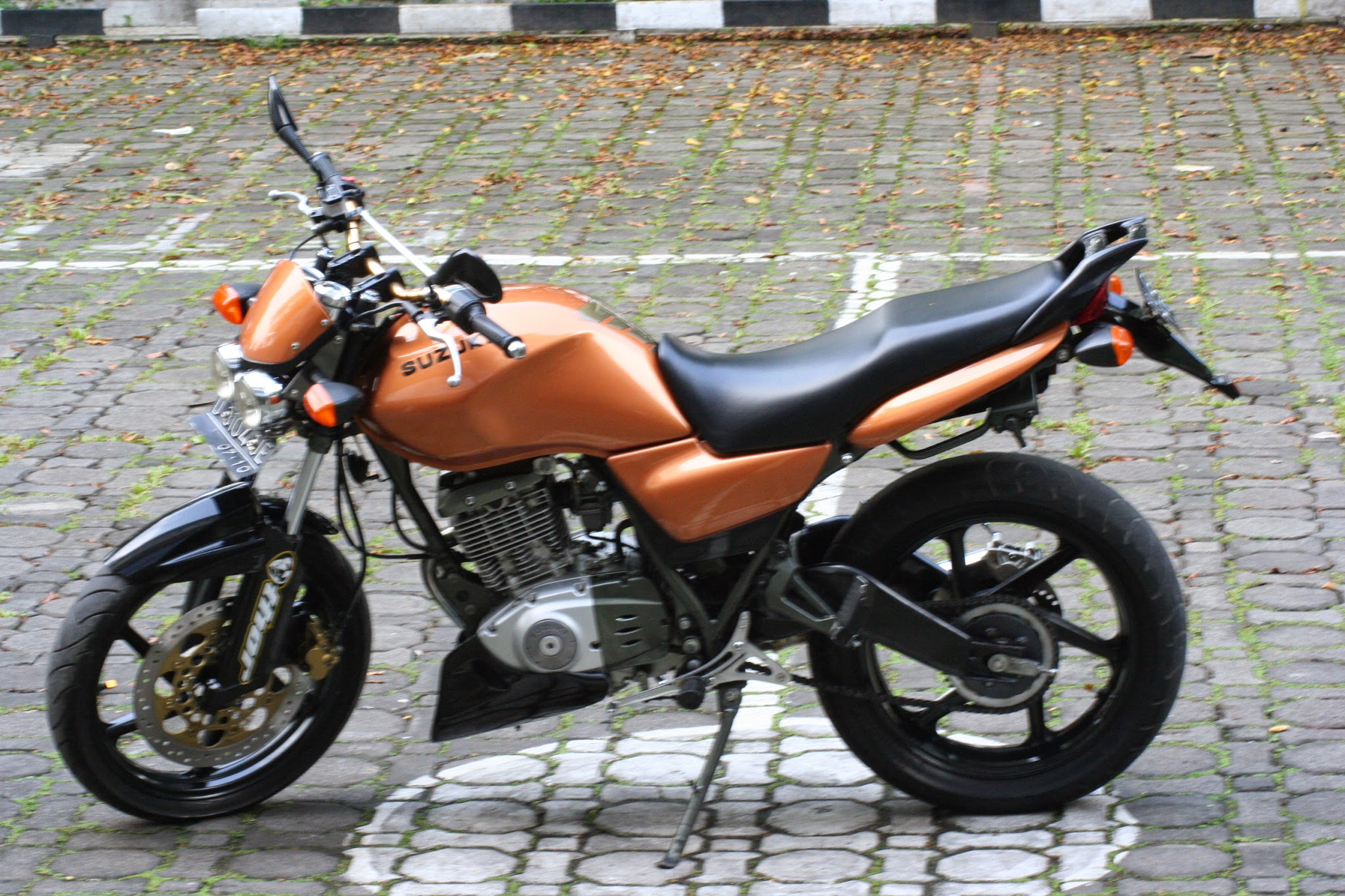 Suzuki Thunder 125 Modifikasi Cafe Racer