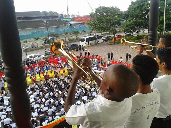 Los núcleos del estado Vargas ofrecieron uno de sus conciertos en la antigua Casa Guipuzcoana de La Guaira