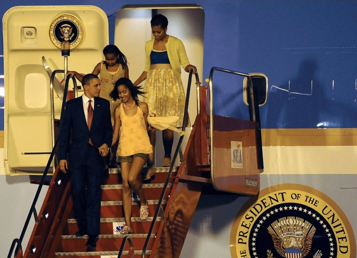 first tweens malia and sasha obama in brazil