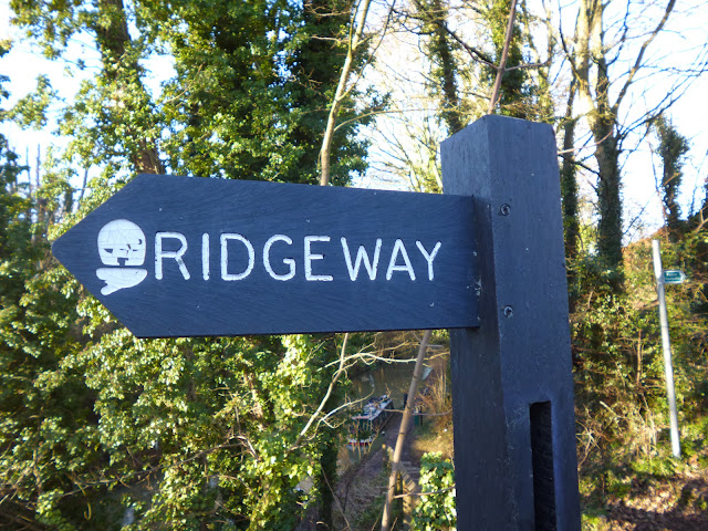 Signpost for the Ridgeway Trail